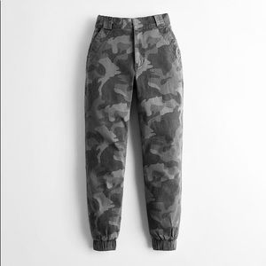 Hollister ultra high-rise jogger(classic stretch)